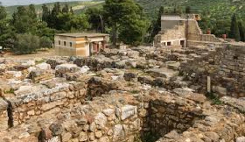 Knossos-Palace-by-car
