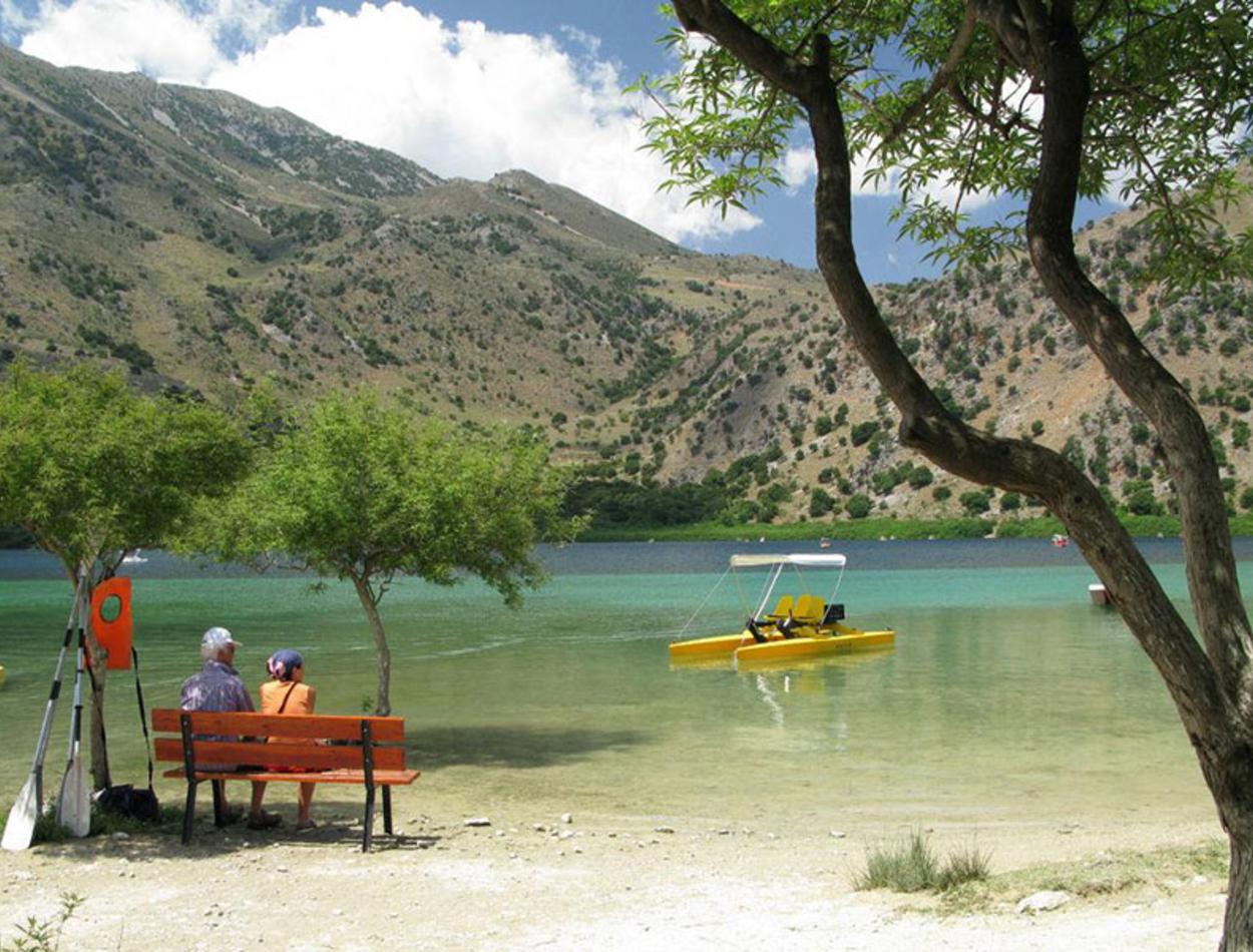 lake-of-fresh-water-crete
