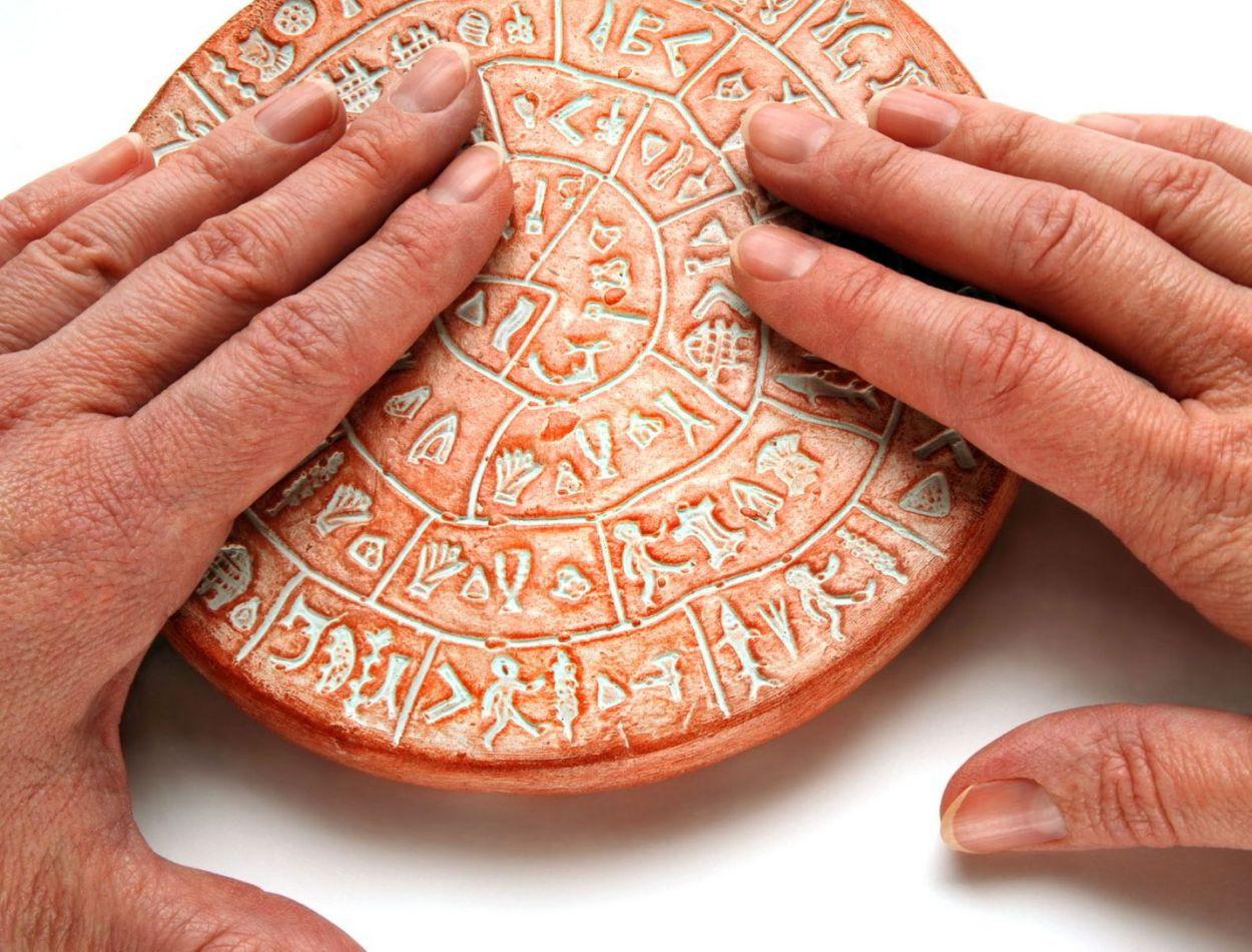 phaistos-disk